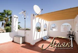 В продаже смежный дом в престижном месте – Торре де ла Орадада (побережье Ориуэла – Коста Бланка)