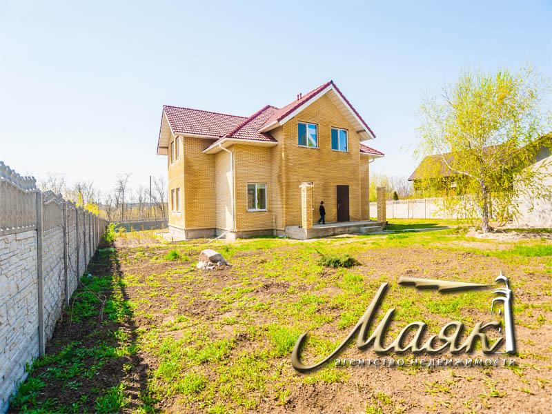 Предлагается к продаже дом по улице Украинская.