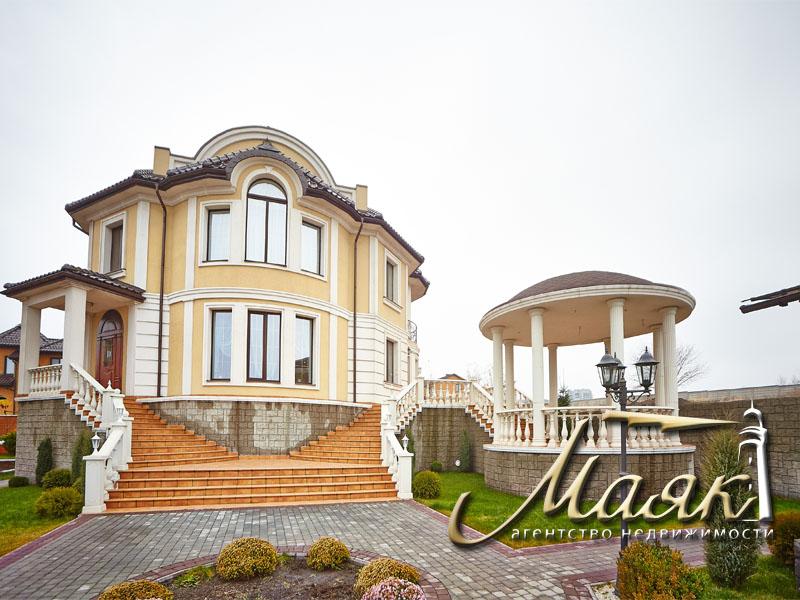 Предлагается к продаже шикарный дом с видом на Днепр. 2