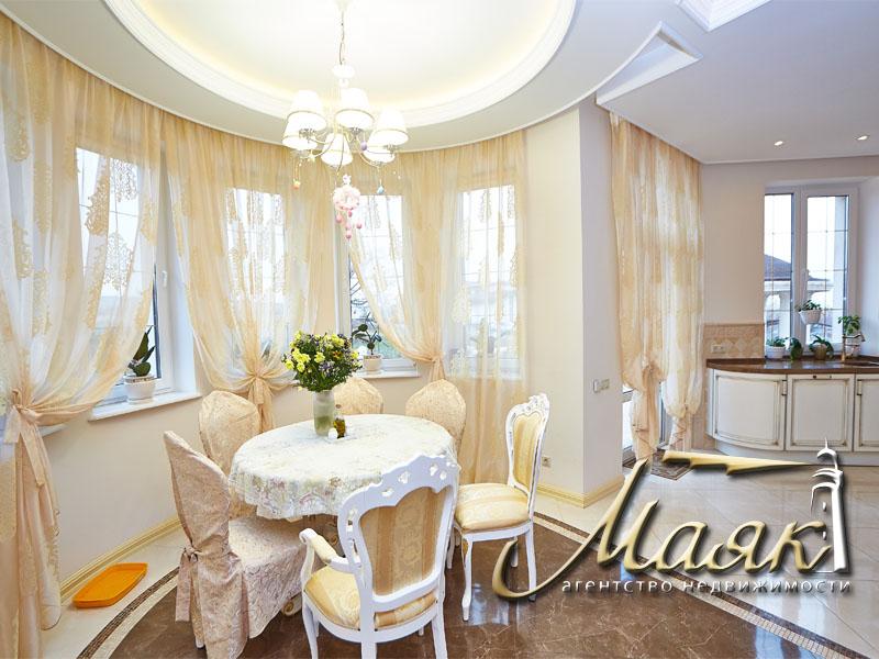 Предлагается к продаже шикарный дом с видом на Днепр. 10