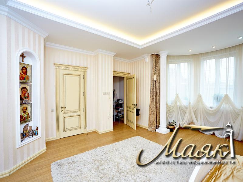 Предлагается к продаже шикарный дом с видом на Днепр. 8