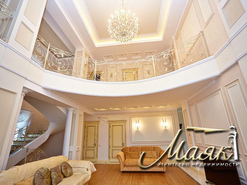 Предлагается к продаже шикарный дом с видом на Днепр. 6