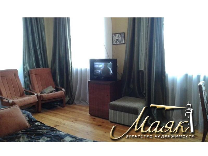 Предлагается к продаже трехкомнатная квартира по пр.Соборному.