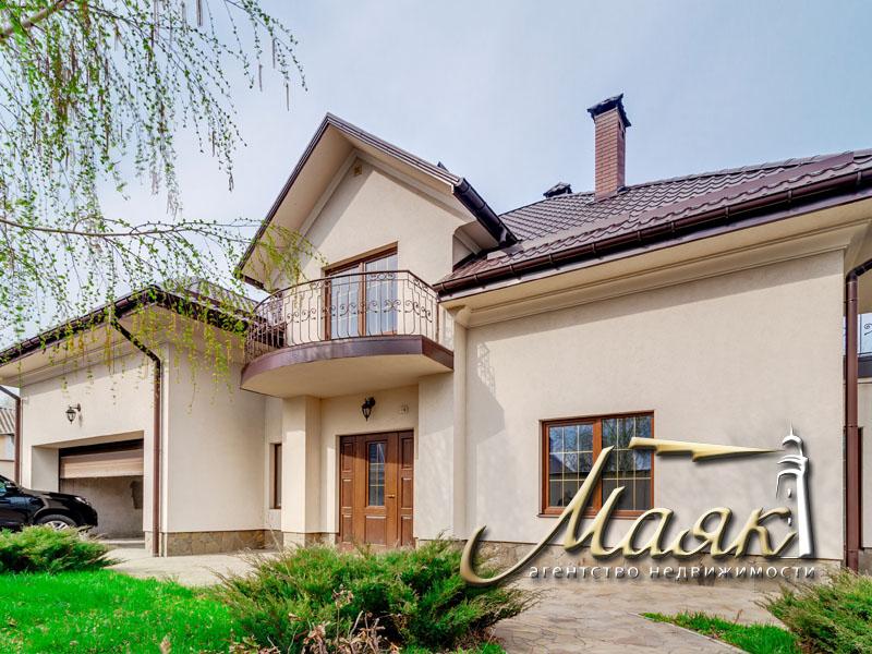 Предлагается к продаже добротный дом в центре Бородинского микрорайона