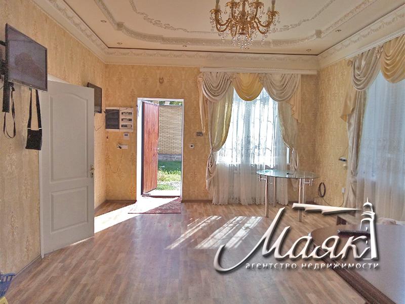 Предлагается к продаже отличный двухэтажный дом.
