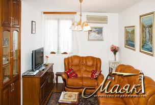 Предлагается к продаже двухкомнатная квартира в живописной деревне Святая Петка (Будва)