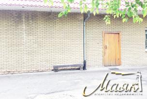 Предлагается к продаже кафе, расположенное в центре города на огороженной территории 13 соток (аренда земли на 49 лет)
