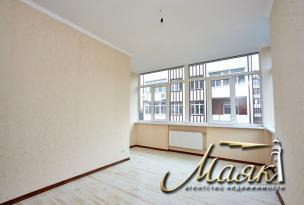 Предлагается в долгосрочную аренду 3-х комнатная квартира на 2-ом этаже 4-х этажного дома в элитном комплексе в парковой зоне расположенной на Великом лугу