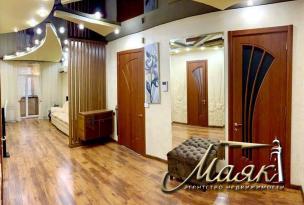 Четырехкомнатная комнатная квартира с ремонтом в центре города + ДВА ПАРКОМЕСТА,