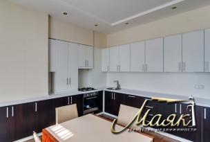 Долгосрочная аренда двухкомнатной квартиры в Днепровском районе.