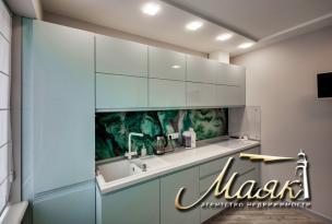 Трехкомнатная квартира с дизайнерским ремонтом на Песках.