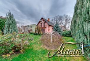 Предлагается к продаже замечательный дом расположенный на острове с.Приднепровского в охраняемом садоводческом кооперативе.