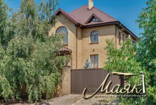 Новый дом в классическом стиле в Бородинском р-не.