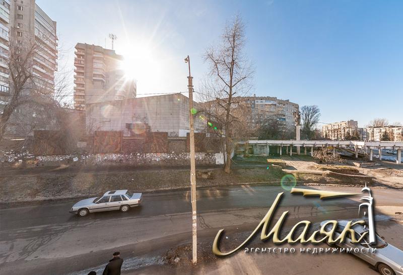 Здание в г. Каменское.