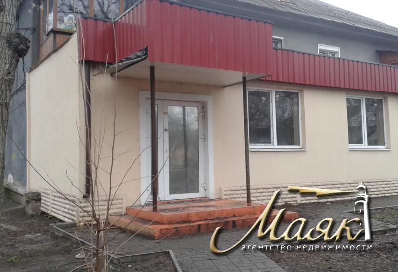 Предлагается к продаже нежилое помещение расположенное на одной из самых оживленных улиц.