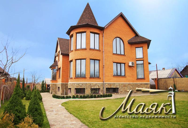 Предлагается к продаже 2-х этажный дом в Бородинский районе.