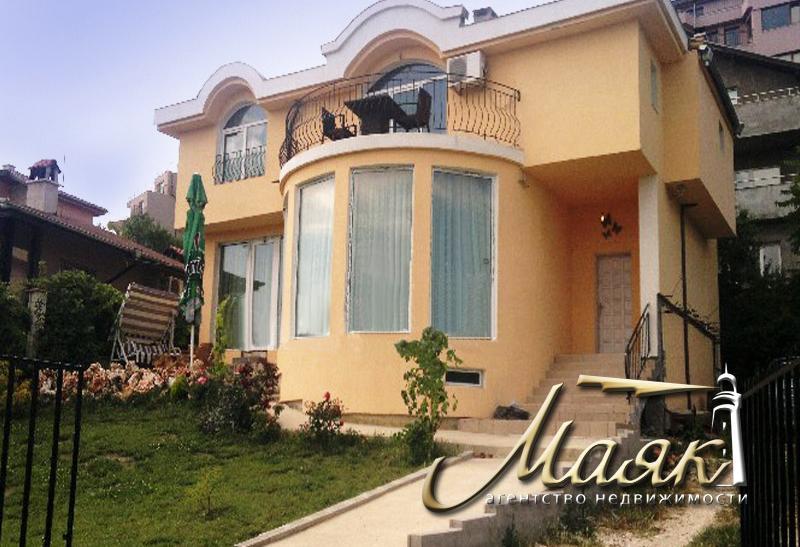 Представляем Вашему вниманию прекрасный дом с видом на море, расположенный в г