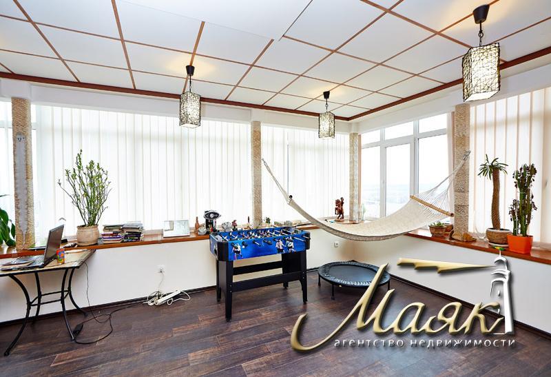 Шикарная 2х уровневая квартира в новострое в Александровском районе.