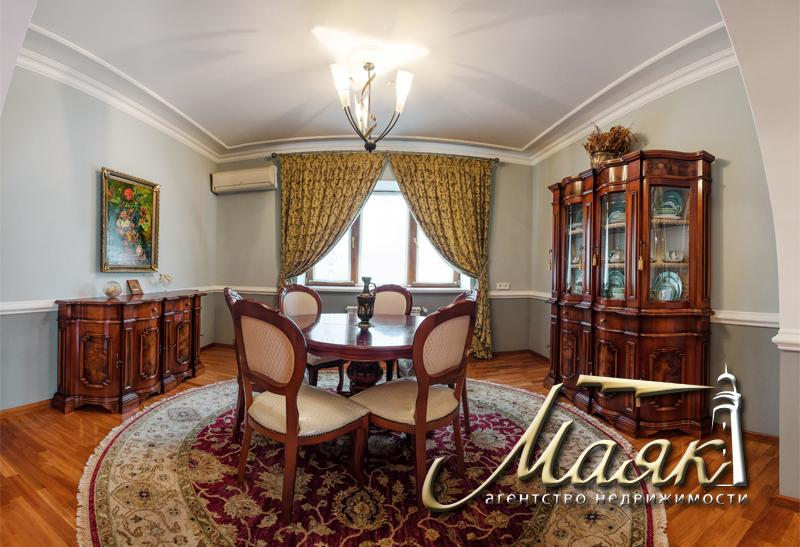 Дизайнерский дом в Бородинском микрорайоне.
