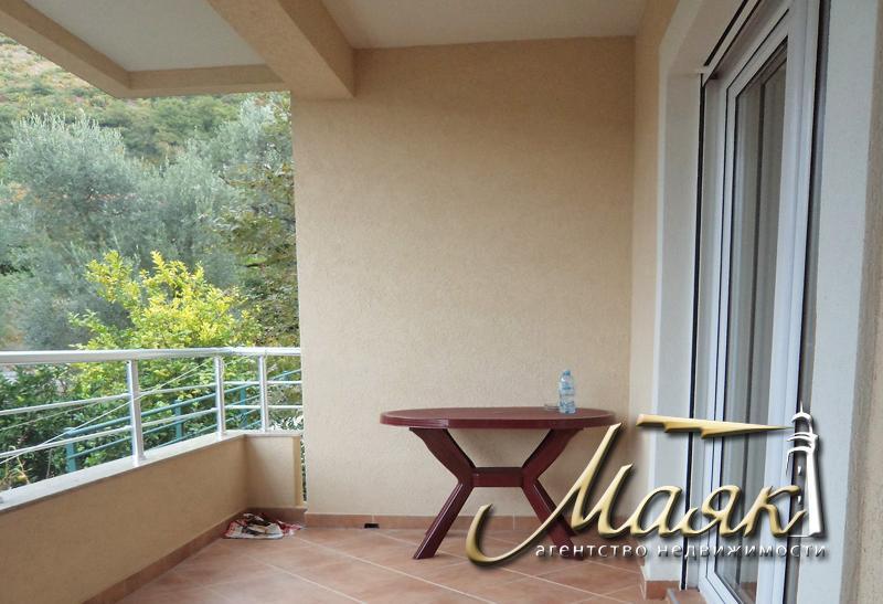 Предлагается к продаже двухкомнатная квартира с видом на Адриатическое море