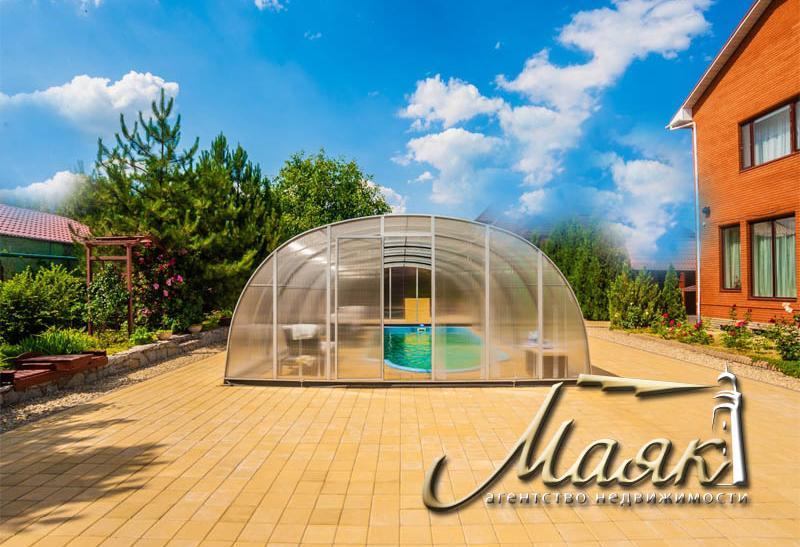 Чудесный дом и просторный участок 30 соток, утопающий в зелени в элитном районе Великий Луг.