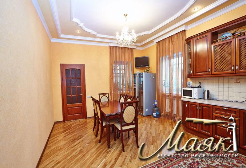 Дом в самом центре Бородинского.