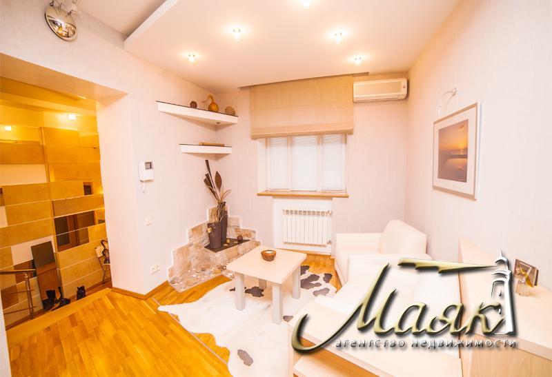 Предлагается к продаже полнометражная 3х комнатная квартира в центре города