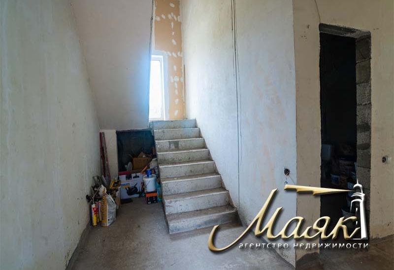 Дом под чистовую отделку в Бородинском районе.