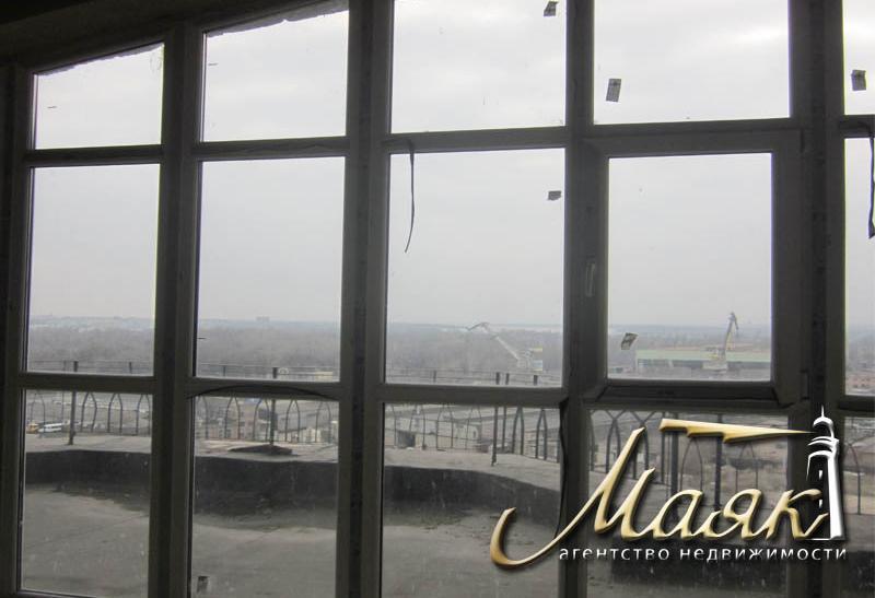 Предлагается 5-ти комнатная квартира в элитном новострое на 9-м этаже 10-го кирпичного дома по ул