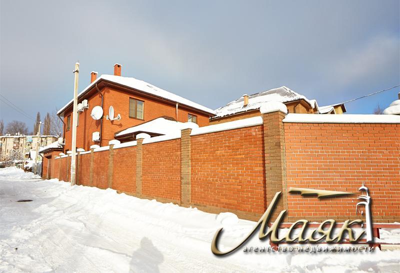 Дом в центре города в районе бул. Шевченко.