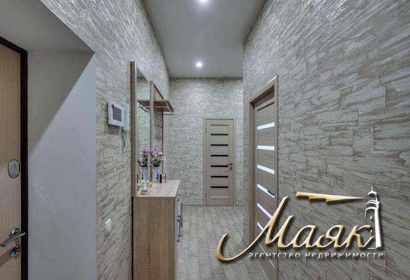 К продажи предлагается 3-х комнатная квартира в элитном комплексе в парковой зоне расположенной на Великом лугу