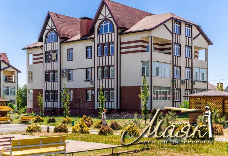 Двухуровневая квартира в элитном комплексе в парковой зоне расположенной на Великом лугу.