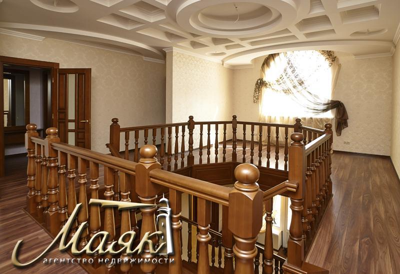 Авторский дом в классическом стиле...