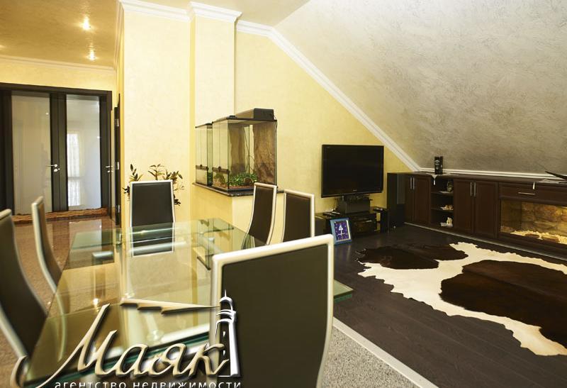 Продается шикарный дом в Ленинском районе.