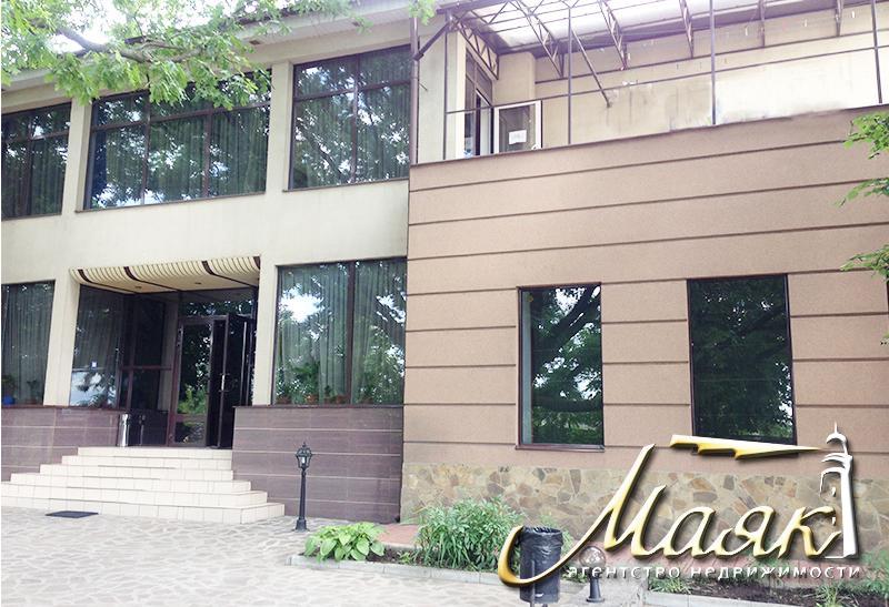 Предлагается к продаже невероятной красоты двухэтажный гостинично -ресторанный комплекс.