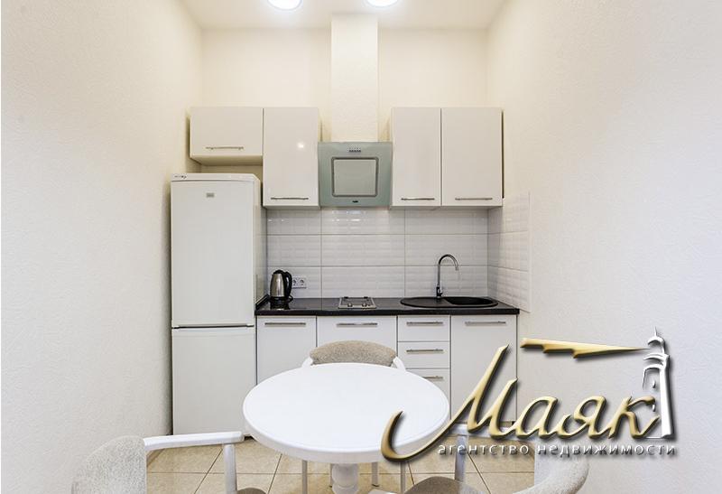 """Сдается просторная 1-комнатная квартира в центре города в ЖК """"Лермонтово"""" расположена на 11 этаже"""