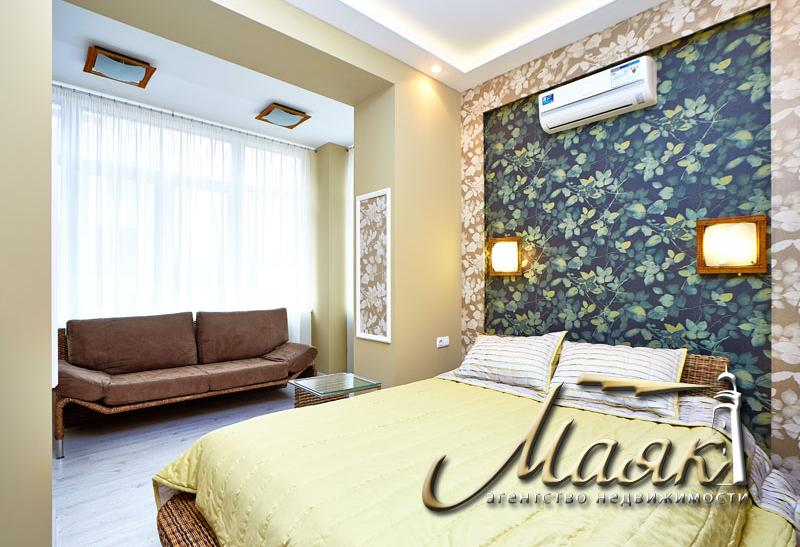 Предлагается в долгосрочную аренду 2-х комнатная квартира на 2-ом этаже 4-х этажного дома в элитном комплексе в парковой зоне расположенной на Великом лугу