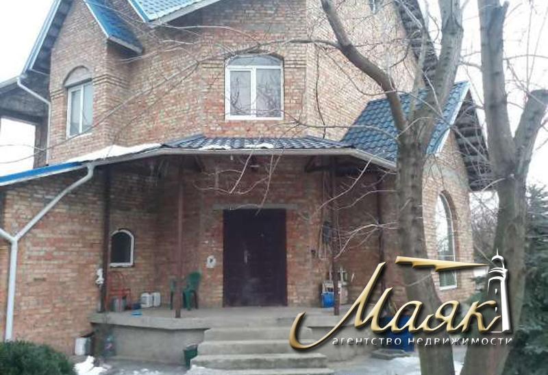 Дом без отделочных работ в Шевченковском районе.
