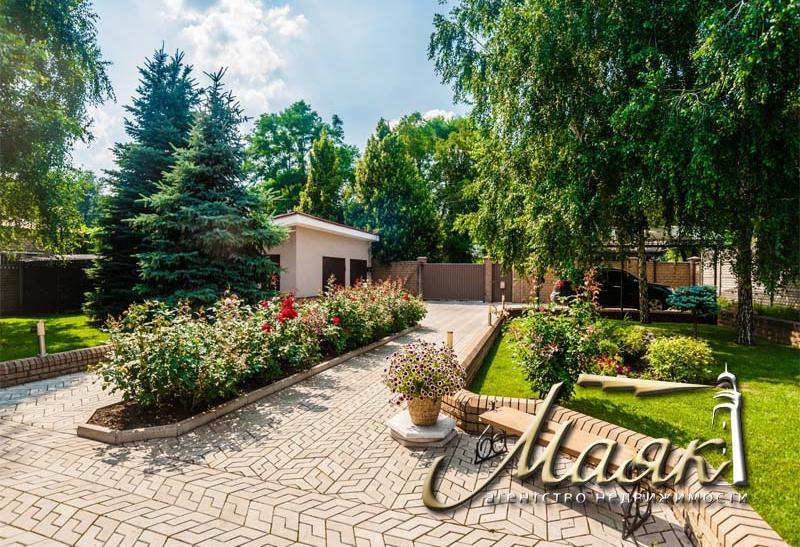 Дом на две семьи в центре Бородинского мкр-на.
