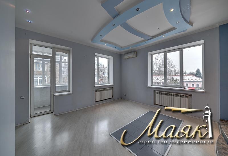 Предлагается к продаже шикарный 2-х этажный дом в Бородинском микрорайоне.