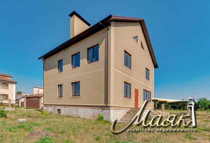 Предлагается к продаже дом под отделку вблизи леса на закрытой охраняемой территории.
