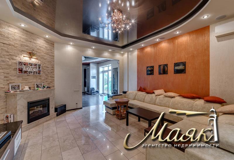 Предлагается к продаже шикарный двухэтажный дом в Бородинском микрорайоне.
