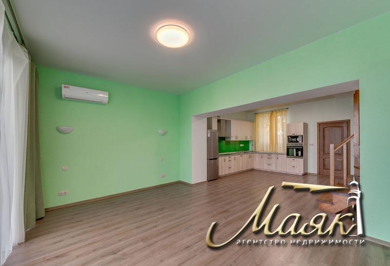 Дом с капитальным ремонтом на Волне.