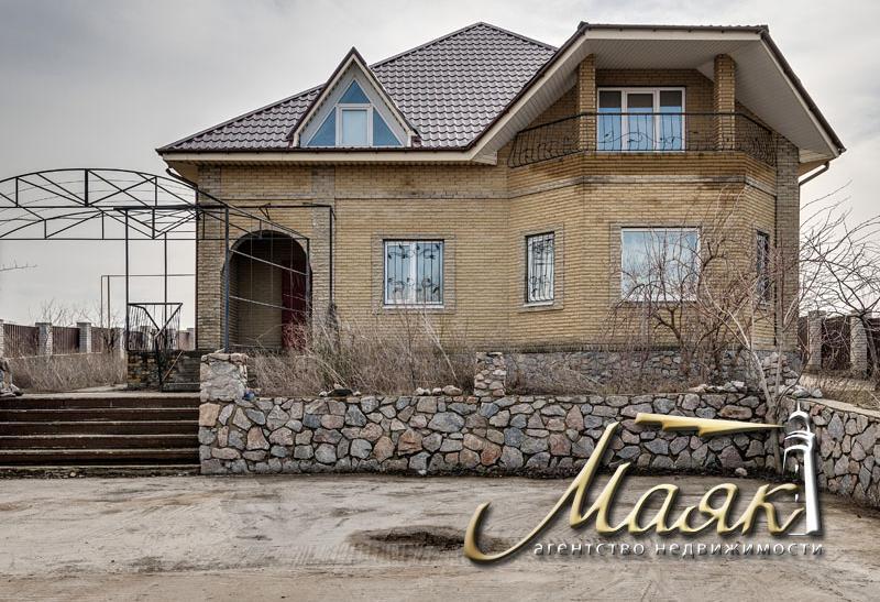 Дом в с. Долинское.