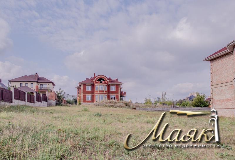 Дом на земельном участке 20 соток с видом на Днепр.