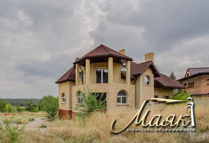 Дом с прекрасным видом на Днепр.